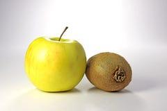 Apple e kiwi. Fotografia Stock