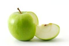 Apple e la sua fetta fotografie stock libere da diritti