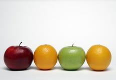 Apple e laranja Fotografia de Stock Royalty Free