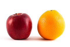 Apple e laranja Foto de Stock Royalty Free