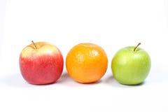 Apple e laranja verdes vermelhos Imagem de Stock