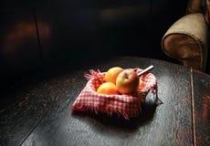 Apple e laranjas Foto de Stock