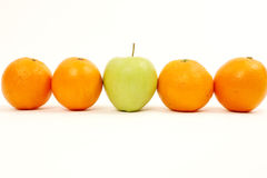 Apple e laranjas fotografia de stock