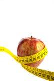 Apple e nastro di misurazione Fotografie Stock Libere da Diritti