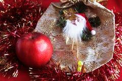 Apple e Papai Noel Fotos de Stock Royalty Free