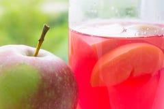 Apple e vetro Fotografia Stock Libera da Diritti