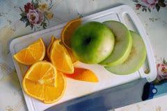 Apple ed arancio affettati Fotografia Stock