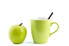 Apple en geïsoleerde koffiemok Royalty-vrije Stock Afbeelding