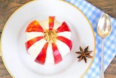 Apple encheu com alimento dietético do queijo creme brunch imagens de stock