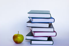 Apple et livres Photos libres de droits