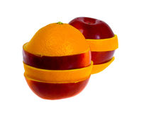 Apple et orange. D'isolement sur le blanc. Image stock