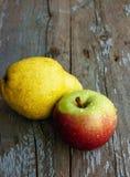 Apple et poire Photographie stock