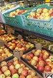 Apple expôs para a venda no supermercado Foto de Stock