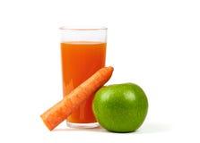 Apple fresco, carote e succo di vetro Fotografia Stock Libera da Diritti