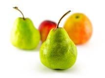 Apple fruttifica, nettarina, pera isolata su bianco Fotografia Stock