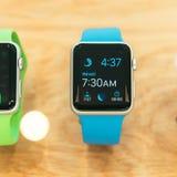 Apple-het Horloge begint wereldwijd te verkopen Royalty-vrije Stock Foto's
