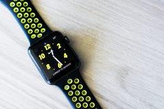 Apple-Horlogereeks 2 nike+ Stock Foto