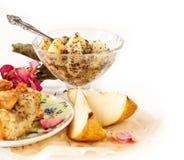 Apple i bonkrety kulebiak z filiżanką herbata i dżem Obrazy Royalty Free