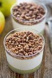 Apple i cynamonowy czekoladowy mousse Fotografia Royalty Free