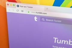 Apple iMac με την αρχική σελίδα Tumblr στην οθόνη οργάνων ελέγχου Αρχική σελίδα Tumblr COM στον υπολογιστή PC Το Tumblr και κοινω Στοκ εικόνα με δικαίωμα ελεύθερης χρήσης