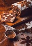 Apple impana con cacao, frutta ed i dadi Fotografie Stock Libere da Diritti