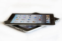 Apple Ipad 2 contro Ipad 1 immagine stock