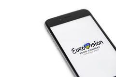 Apple-iPhone 6s und Eurovisions-Logo Stockfoto
