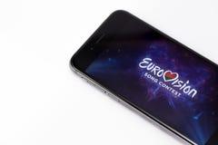 Apple-iPhone 6s und Eurovisions-Logo auf Anzeige Stockfoto