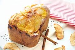 Apple kanelbrunt bröd Royaltyfri Bild
