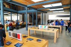 Apple kaufen Lizenzfreie Stockfotografie