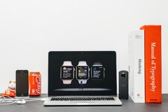 Apple Keynote with COO Jeff Williams and Watch Series 3 workout Royalty Free Stock Photos
