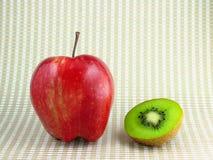 Apple and kiwi fruit Royalty Free Stock Photos