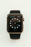 Apple klockastarter som över hela världen säljer Arkivbilder