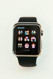Apple klockastarter som över hela världen säljer Arkivbild