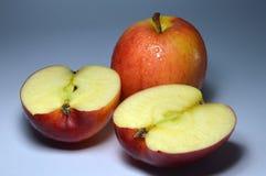 Apple la fruta, patata a la inglesa, deliciosa, fruta. Naturaleza. Fotografía de archivo