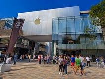 Apple lager i Peking, Kina Arkivbild