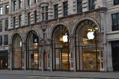Apple lager Regent Street London Royaltyfri Bild