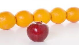 Apple a las naranjas Fotografía de archivo