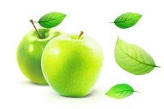 Η πράσινη Apple και leafe απομονωμένος με το ψαλίδισμα της πορείας Στοκ φωτογραφία με δικαίωμα ελεύθερης χρήσης