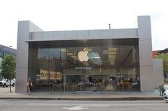 Apple logo på Apple Lincoln Park Store, Chicago fotografering för bildbyråer