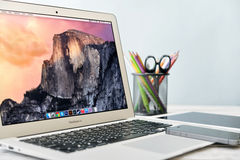 Apple MacBook luft tidigt 2014 Arkivfoto