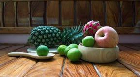 Apple, mangent et portent des fruits Photographie stock