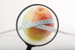 Apple met centimeter Royalty-vrije Stock Afbeeldingen