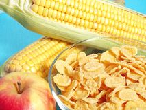 Apple, milk, and corn flakes Royalty Free Stock Photography