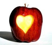 Apple mit dem Inneren innen geschnitzt Stockfoto