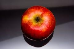 Apple mit Linien Schatten Lizenzfreies Stockfoto