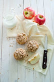 Apple muffins with cinnamon crumb Stock Photography