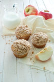 Apple muffins with cinnamon crumb Stock Photos