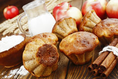 Apple muffins with cinnamon Royalty Free Stock Images