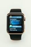Apple observent des débuts vendre dans le monde entier - le premier smartwatch de l'APP Image stock